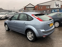 Ford Focus 1.6 2005 - Thumb 4