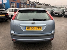 Ford Focus 1.6 2005 - Thumb 5