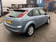 Ford Focus 1.6 2005 - Thumb 6