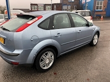 Ford Focus 1.6 2005 - Thumb 7