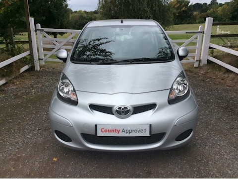 Aygo Vvt-I Platinum Hatchback 1.0 Manual Petrol
