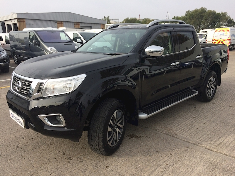 New Nissan Navara Tekna Double Cab 2 3 dCi Twin Turbo 190ps