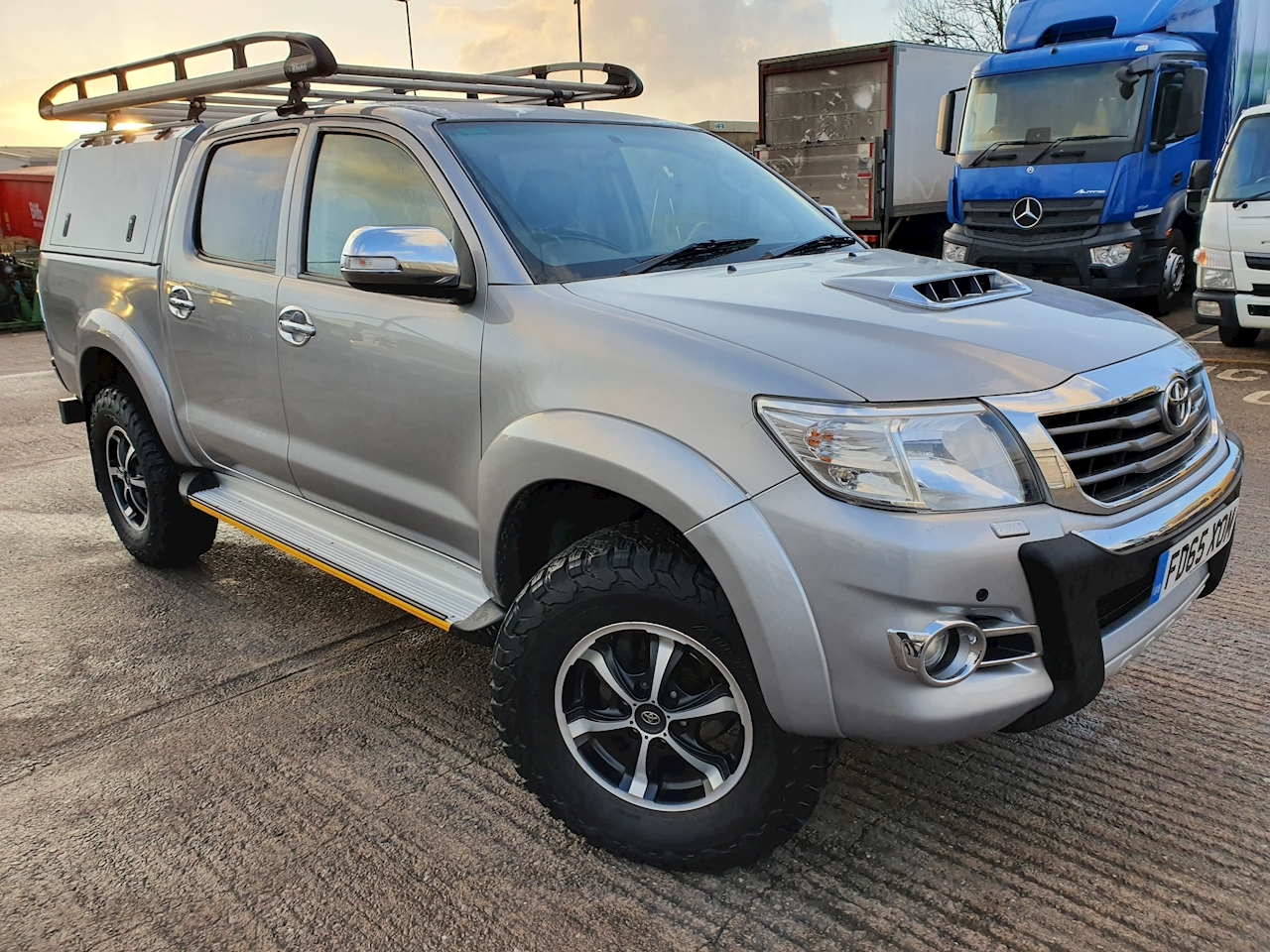 Toyota Hilux Invincible X D/Cab Pick Up 3.0 D-4D 4WD 171 Auto Diesel