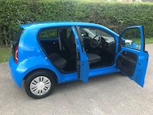 Volkswagen Up Move Up - Thumb 16