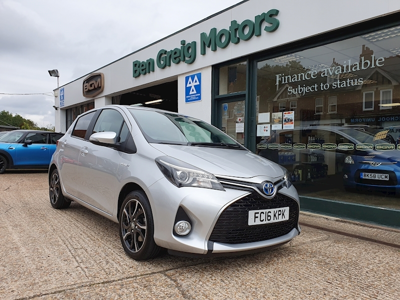 Yaris Vvt-I Design M-Drive S Hatchback 1.5 Cvt Petrol/Electric