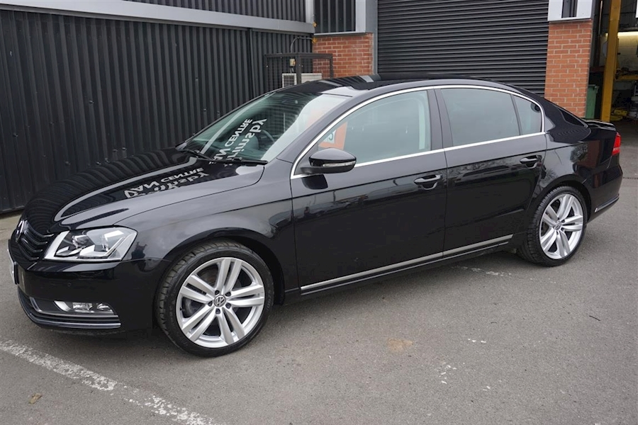 Passat Executive Style 2.0Tdi BMT 4dr Saloon in Black