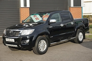Hilux Invincible X 3.0D-4D Automatic Double Cab Pickup in Black with LockNRoll Cover & NO VAT