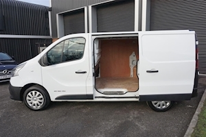 Trafic SL27 Business Energy 1.6DCi 120ps 5dr Panel Van in White