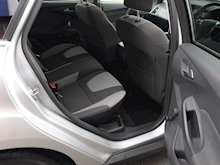 Ford Focus Zetec - Thumb 10