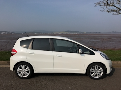 Jazz I-Vtec Es Plus Hatchback 1.3 Cvt Petrol