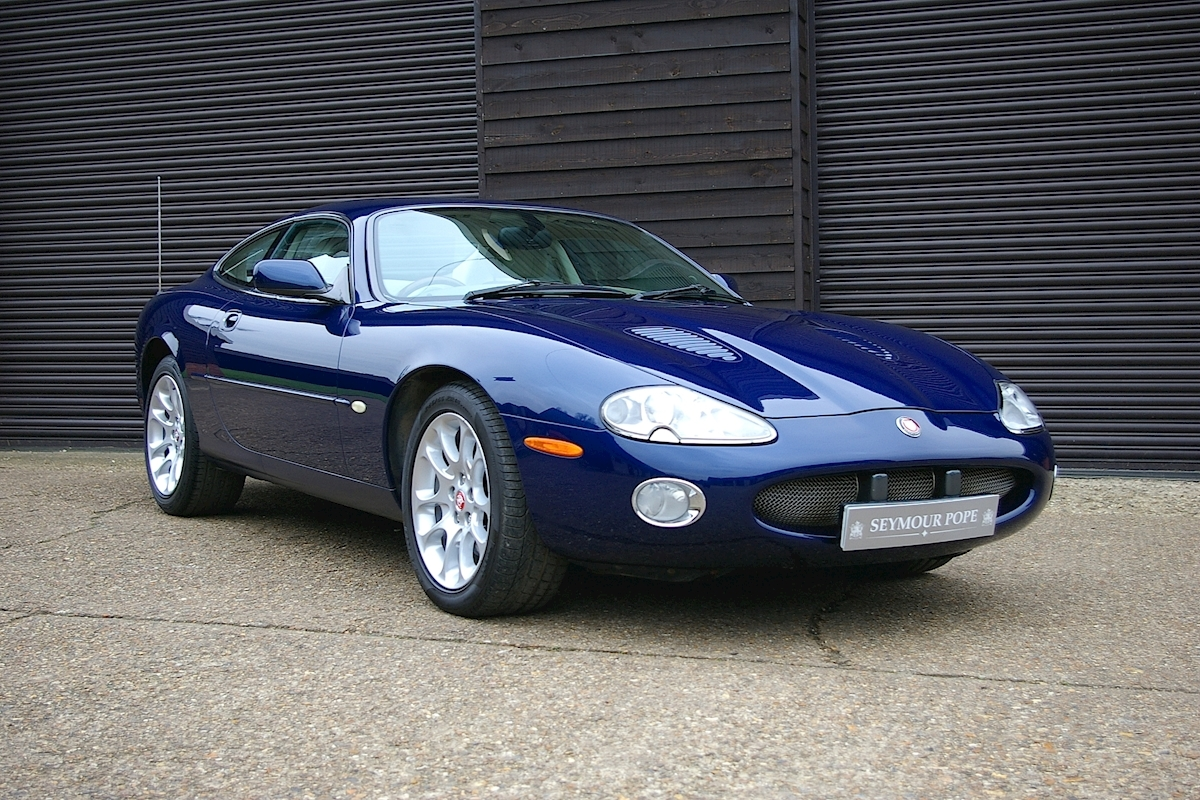 Jaguar Xk8 4.0 V8 Superchraged XKR Coupe - Large 0