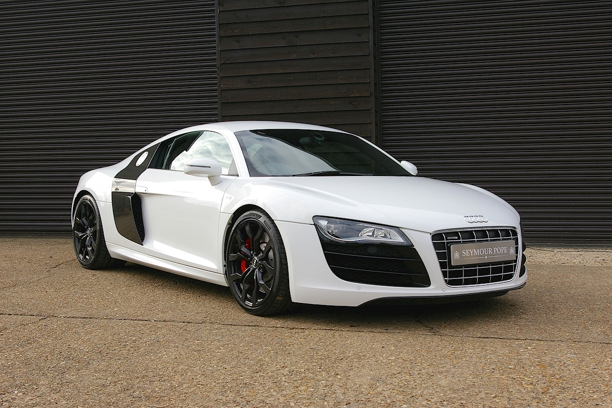 Audi R8 5.2 V10 Quattro Automatic Coupe - Large 0