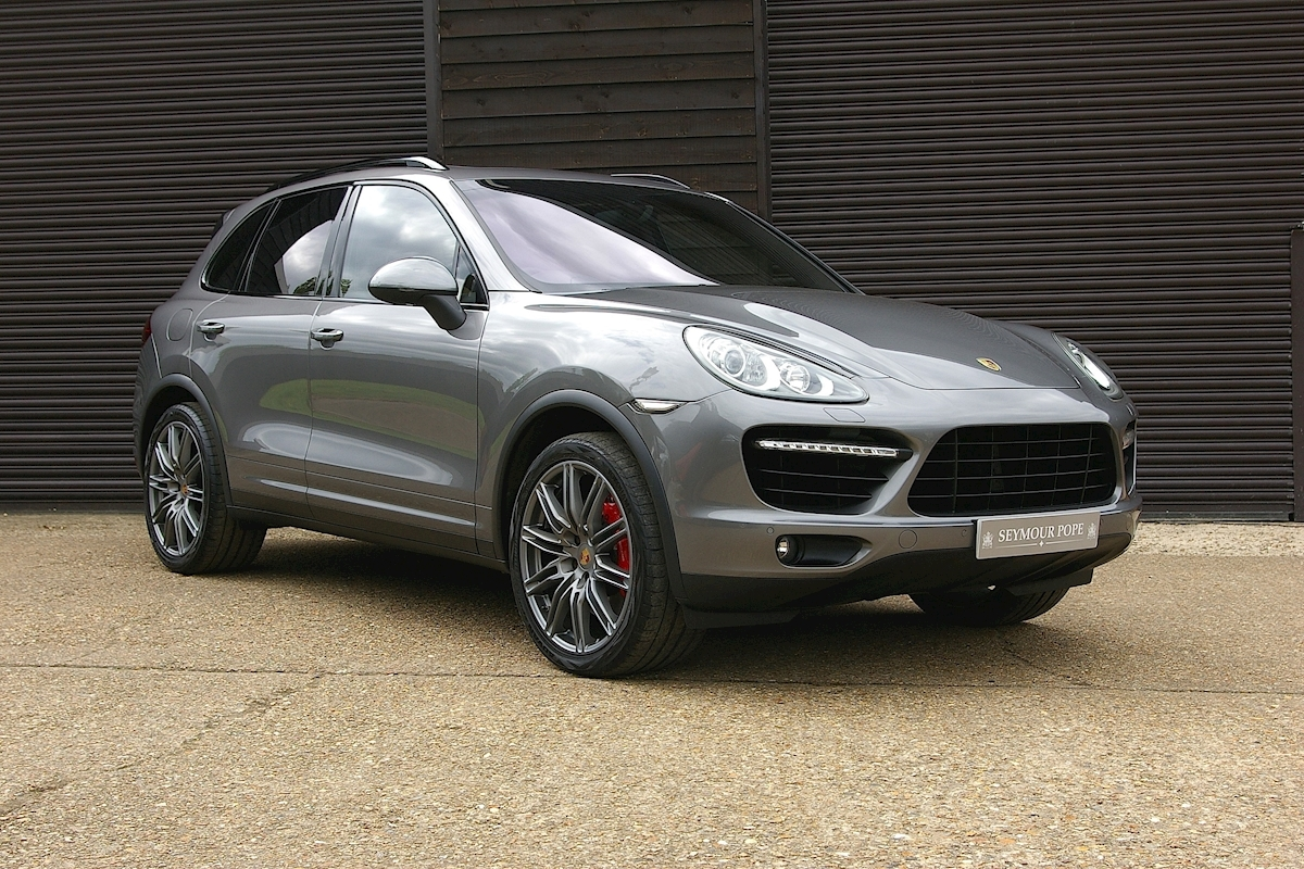 Porsche Cayenne V8 Turbo Tiptronic S - Large 0