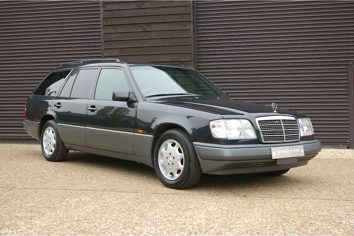 MERCEDES-BENZ E-CLASS W124 E320 ESTATE AUTOMATIC 7 SEATS - Large 0