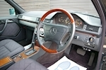 MERCEDES-BENZ E-CLASS W124 E320 ESTATE AUTOMATIC 7 SEATS - Thumb 15