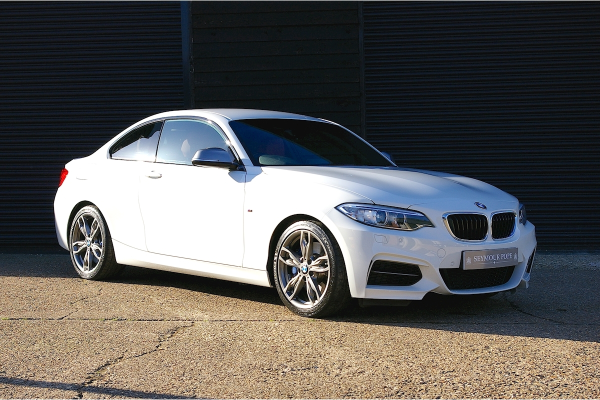 Bmw 2 Series M240i Coupe 6 Speed Manual - Large 0