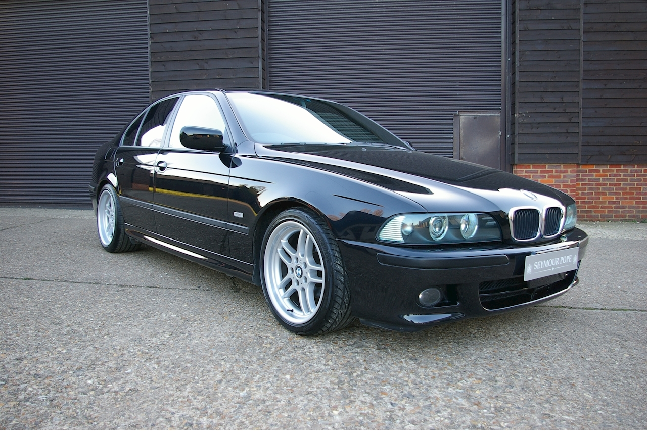 BMW 5 Series E39 525i Sport Automatic Saloon - Large 0