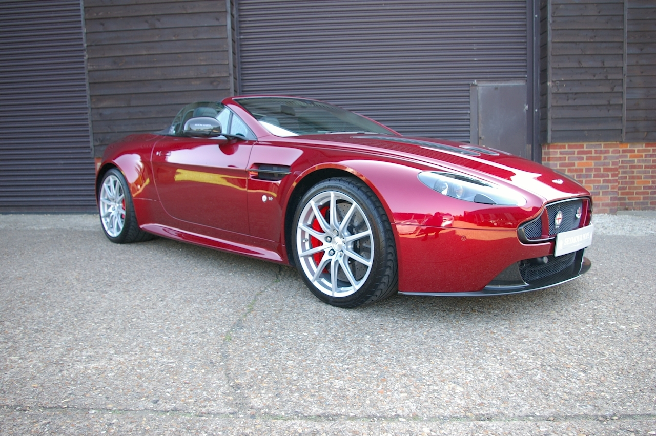 Aston Martin Vantage 5.9 V12 S Roadster SpeedShift III Auto - Large 0