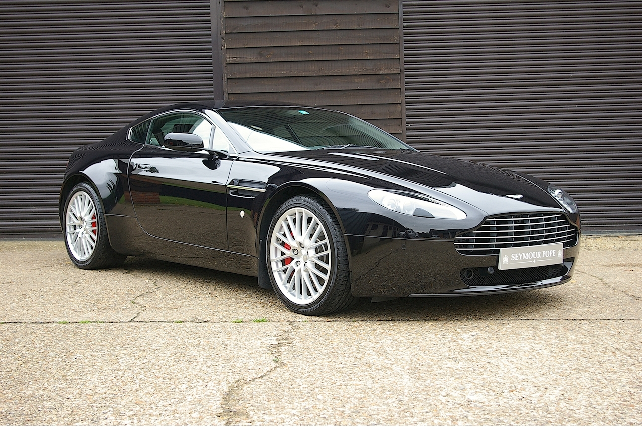 Aston Martin Vantage 4.7 V8 Coupe 6 Speed Manual - Large 0