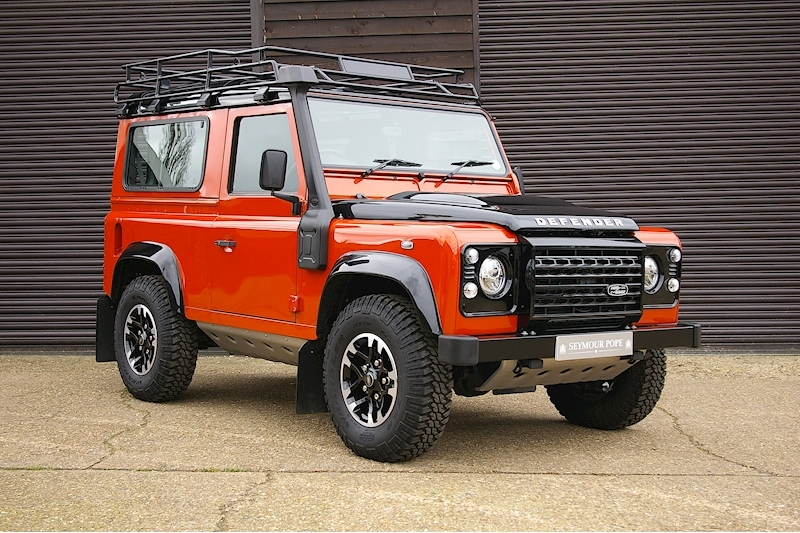 Land Rover Defender 90 2.2 TD Adventure Edition Station Wagon
