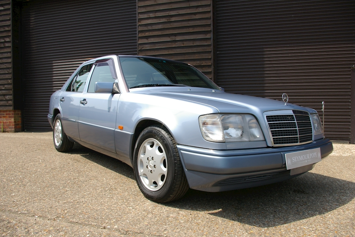 Used mercedes benz w124 e320 automatic saloon seymour pope for Mercedes benz w124