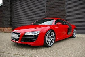 AUDI R8 5.2 V10 Quattro Coupe 6 Speed Manual