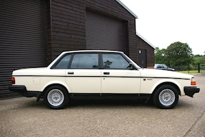 240 GL LIMITED Automatic Saloon 2300 4dr Saloon Automatic Petrol