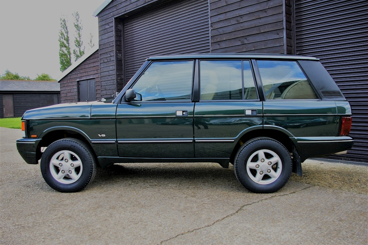 used land rover range rover classic 3 9 v8 automatic swb special edition twr seymour pope. Black Bedroom Furniture Sets. Home Design Ideas