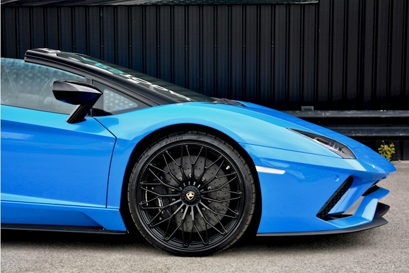 Lamborghini Aventador S Roadster Huge Specfication + £350k List Price Image 15