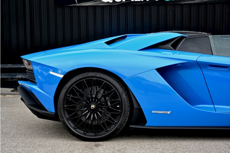 Lamborghini Aventador S Roadster Huge Specfication + £350k List Price Image 14