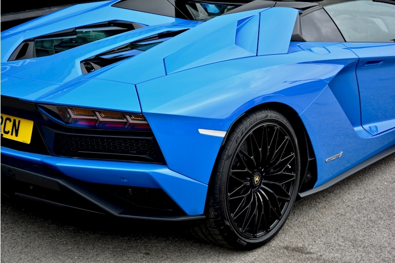 Lamborghini Aventador S Roadster Huge Specfication + £350k List Price Image 13