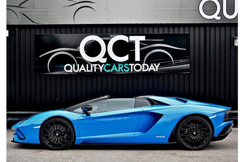 Lamborghini Aventador S Roadster Huge Specfication + £350k List Price Image 1
