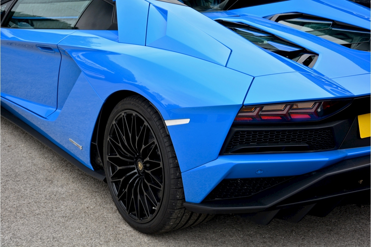 Lamborghini Aventador S Roadster Huge Specfication + £350k List Price - Large 21