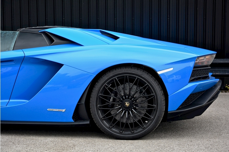 Lamborghini Aventador S Roadster Huge Specfication + £350k List Price Image 20