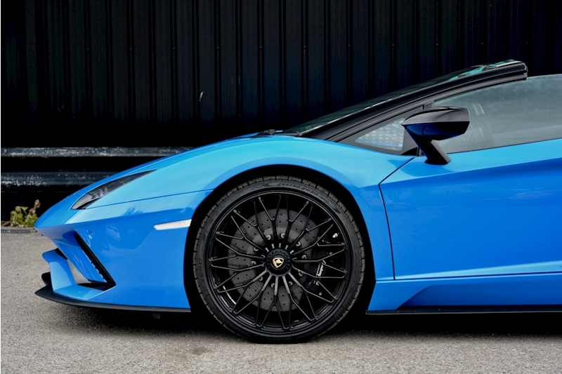 Lamborghini Aventador S Roadster Huge Specfication + £350k List Price Image 19