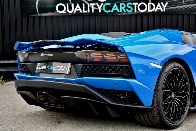 Lamborghini Aventador S Roadster Huge Specfication + £350k List Price Image 26