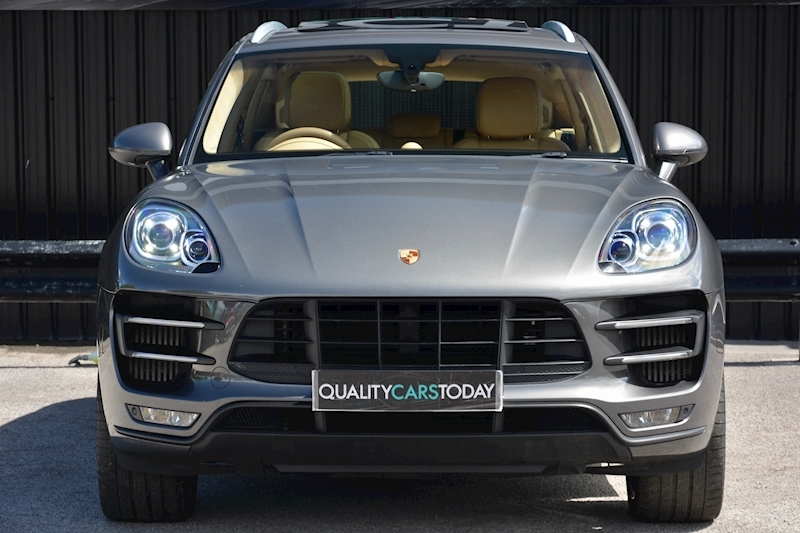 porsche Macan Air Suspension + Sport Chrono + Massive Spec Image 3