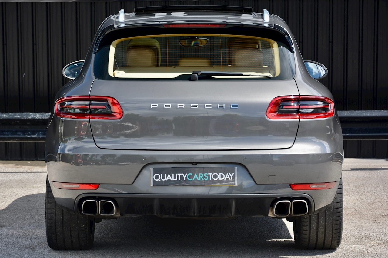porsche Macan Air Suspension + Sport Chrono + Massive Spec - Large 4