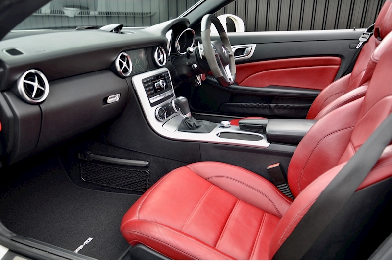 Mercedes-Benz SLK 55 AMG Performance Pack + AMG Drivers Pack + Over £10k Options Image 2