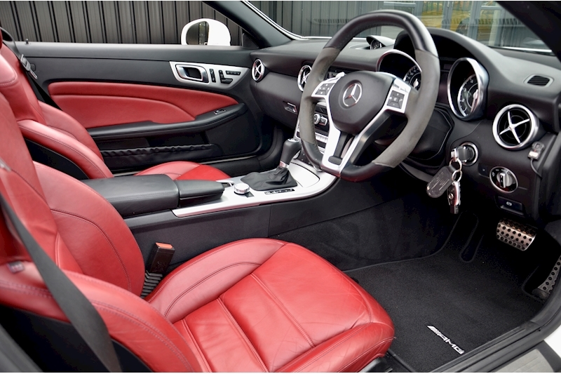 Mercedes-Benz SLK 55 AMG Performance Pack + AMG Drivers Pack + Over £10k Options Image 7