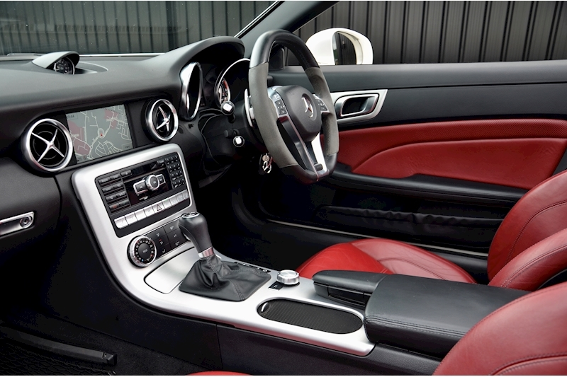 Mercedes-Benz SLK 55 AMG Performance Pack + AMG Drivers Pack + Over £10k Options Image 28