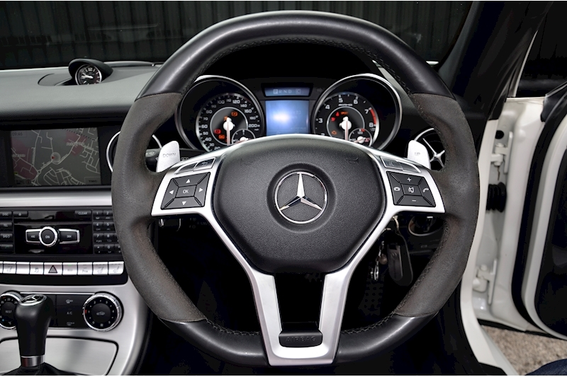 Mercedes-Benz SLK 55 AMG Performance Pack + AMG Drivers Pack + Over £10k Options Image 37