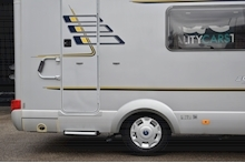 Hymer C542CL Just 20k Miles + High Spec + Exceptional Condition - Thumb 9