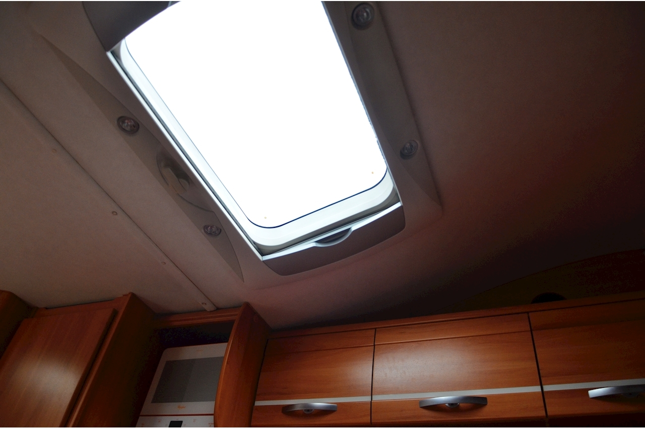 Hymer C542CL Just 20k Miles + High Spec + Exceptional Condition - Large 36