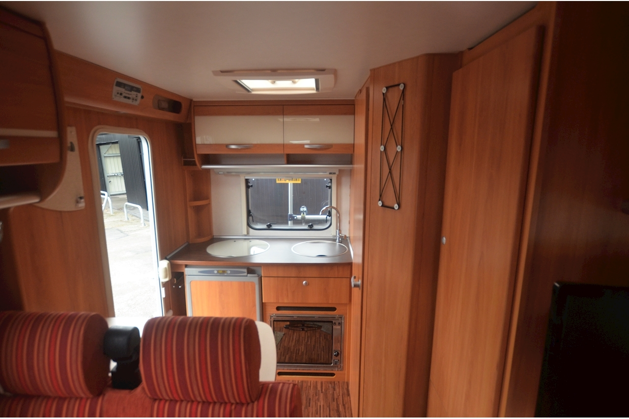 Hymer C542CL Just 20k Miles + High Spec + Exceptional Condition - Large 44
