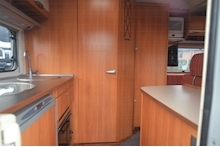 Hymer C542CL Just 20k Miles + High Spec + Exceptional Condition - Thumb 45