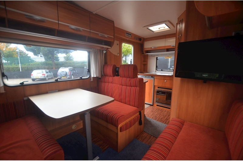 Hymer C542CL Just 20k Miles + High Spec + Exceptional Condition Image 50