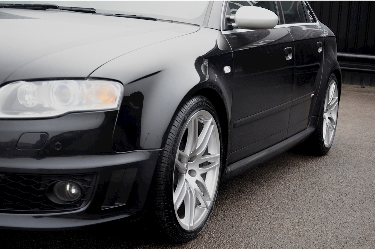 Audi RS4 RS4 4.2 Saloon 4dr Petrol Manual quattro (324 g/km, 415 bhp) 4.2 4dr Saloon Manual Petrol - Large 19