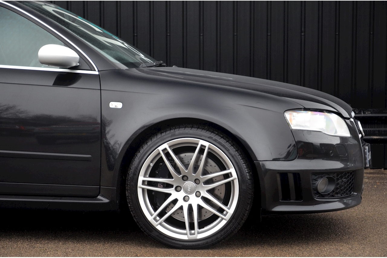 Audi RS4 RS4 4.2 Saloon 4dr Petrol Manual quattro (324 g/km, 415 bhp) 4.2 4dr Saloon Manual Petrol - Large 22