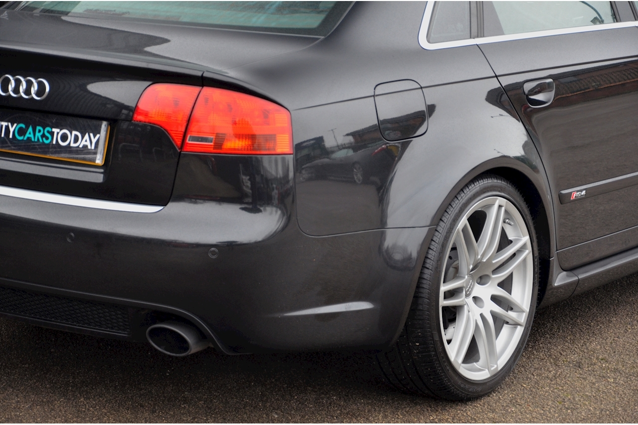 Audi RS4 RS4 4.2 Saloon 4dr Petrol Manual quattro (324 g/km, 415 bhp) 4.2 4dr Saloon Manual Petrol - Large 20